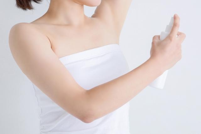 脇汗を止める最強グッズ。汗は止めても大丈夫?即効性のある方法。