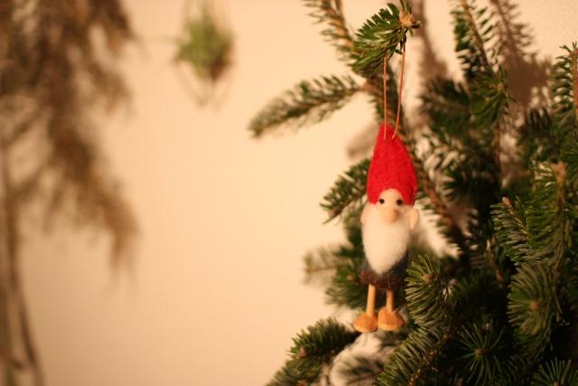 IKEAのクリスマスツリーの飾り方は?モミの木の選び方とお手入れ方法